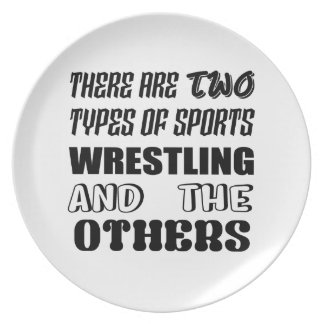 Es gibt zwei Arten Sport-Wrestling und -andere Teller