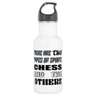 Es gibt zwei Arten Sportschach und -andere Trinkflasche