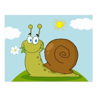 Escargot avec une fleur dans sa bouche sur une col cartes postales
