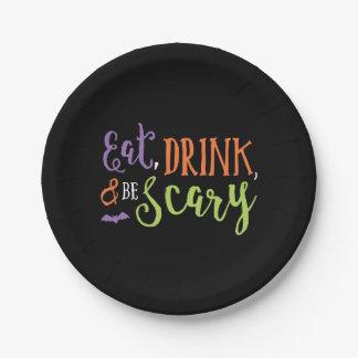 Essen Sie Getränk und seien Sie beängstigender Pappteller
