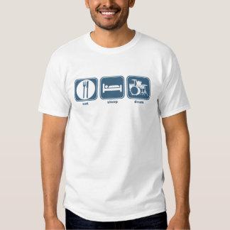 essen Sie Schlaftrommel T-shirts