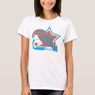Étoile rouge et bleue de femme de merveille t-shirt
