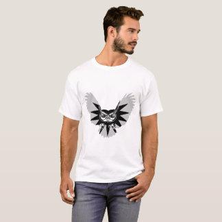 Eule im Flug T-Shirt