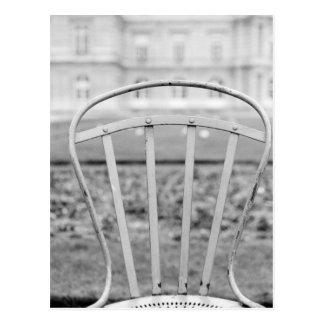 Europa, Frankreich, Paris. Stuhl, Jardin DU Postkarte