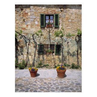 Europa, Italien, Monteriggioni. Ein Steinhaus ist Postkarte