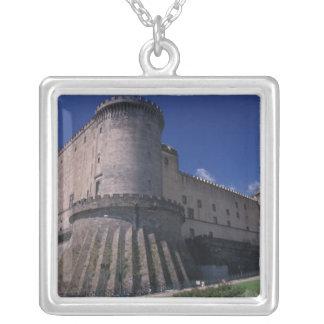 Europa, Italien, Neapel, Schloss Nuovo Versilberte Kette