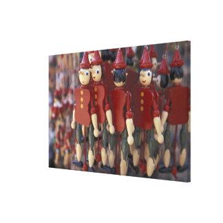 Europa, Italien, Toskana, Collodi, Zuhause von Galerie Gefaltete Leinwand