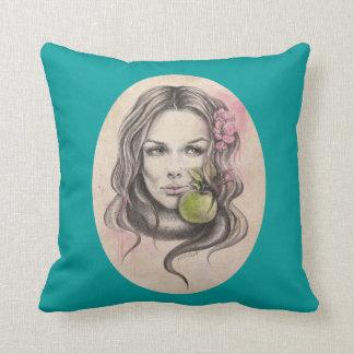 Eve|Woman Porträt mit Apfel Wurfskissen Kissen