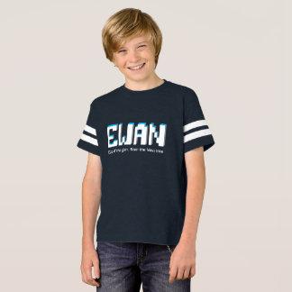 Ewan Jungen Name und Bedeutungspixeltext T-Shirt