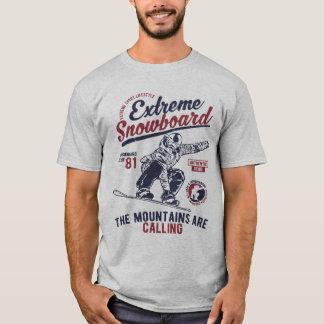 Extremer Snowboard, die Berge nennen T-Shirt