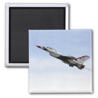 F-16 Thunderbird im Flug Quadratischer Magnet