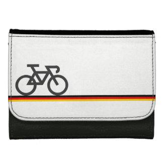 Fahrrad auf Deutsch-inspirierten Flaggen-Linien