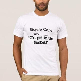 Fahrrad-Polizisten sagen T-Shirt