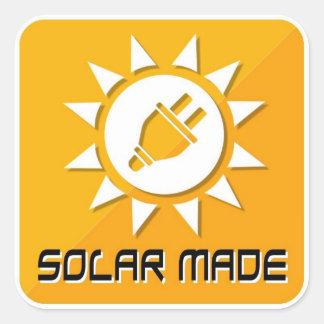 Fait avec les autocollants solaires
