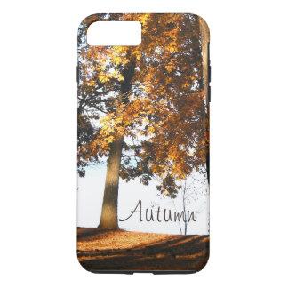 Fallahornbaum verlässt Herbstmonogramm iPhone 7 Plus Hülle