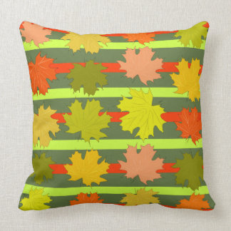 Fallendes Blätter im Herbst Kissen