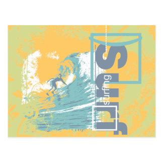 Fangen Sie eine Wellen-surfende T-Shirts und Postkarte