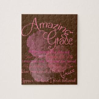 Fantastische Anmut-schöne rosa Rosen-Typografie