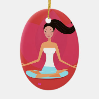 Fantastisches Yogamädchen: Kreativer T - Shirt Ovales Keramik Ornament