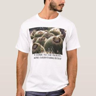 Fass-Kaktus im früher Morgen-Licht T-Shirt
