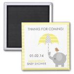 Faveurs grises et jaunes de baby shower d'éléphant magnet carré