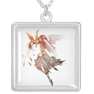fée pendentif carré