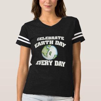 Feiern Sie Tag der Erde jeden Tag T-shirt