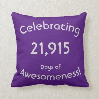 Feiern von 21.915 Tagen von Awesomeness Geburtstag Kissen