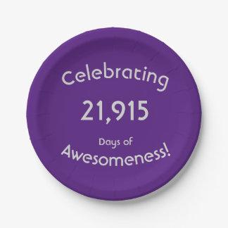 Feiern von 21.915 Tagen von Awesomeness Geburtstag Pappteller