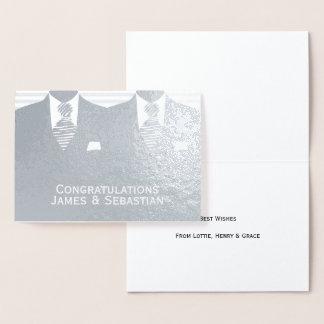 Félicitations gaies de mariés du mariage deux foil card