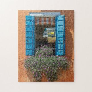 Fenster- und Birdcage-Fotopuzzlespiel