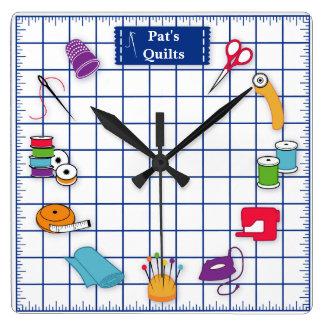 Fertigen Sie die Aufkleber-Steppdecken-Zeit Quadratische Wanduhr