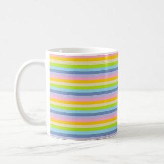 Feste Pastellregenbogen-Streifen Tasse