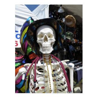 Festliches Skelett Postkarte