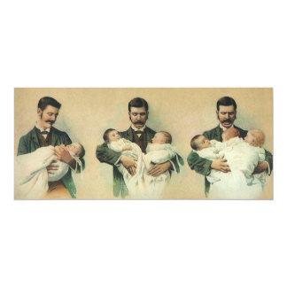 Fête des pères vintage, homme tenant des bébés de carton d'invitation  10,16 cm x 23,49 cm