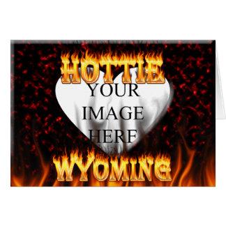 Feuer Wyomings Hottie und rotes Marmorherz Karte