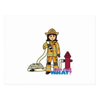 Feuerwehrmann-Mädchen - brünett Postkarte