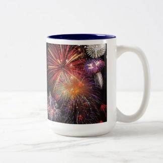 Feuerwerks-Finale Zweifarbige Tasse