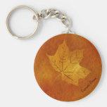 Feuille d'érable d'automne en or porte-clefs
