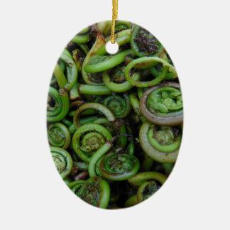 Fiddlehead-Farne Ovales Keramik Ornament