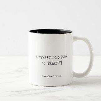 Fiktion über Wirklichkeit (Tasse) Zweifarbige Tasse