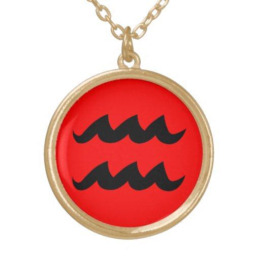 Finition rouge d'or du noir W de collier de Versea