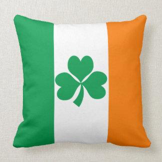 Flagge von Irland-Kleeblatt Kissen