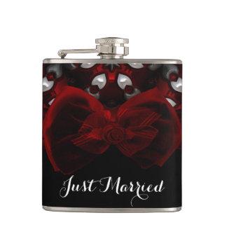 Flasques Mariage gothique de nuit foncée rouge et noire