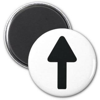 flèche vers le haut d'icône magnet rond 8 cm