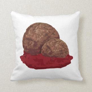 Fleischklöschen in der Soße Kissen