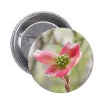 Fleur rose de cornouiller badge