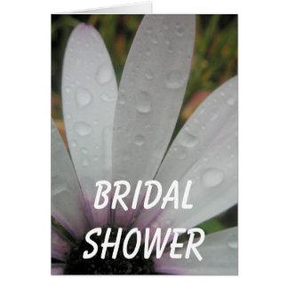 Flieder beleuchtet Hochzeitsgänseblümchen Karte