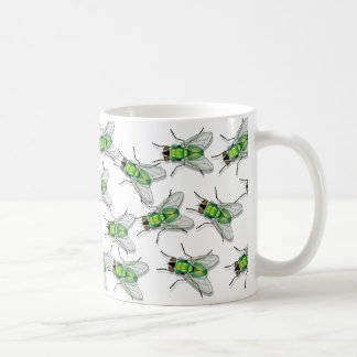 Fliege fliegt auf Tassenkaffeetee Kaffeetasse
