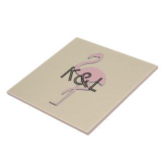 Flippiger rosa Flamingo addieren Initialen-Fliese Keramikfliese